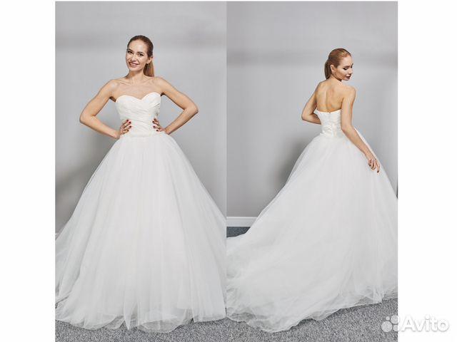 4efbf7e0847 Шикарное свадебное платье со шлейфом купить в Москве на Avito ...