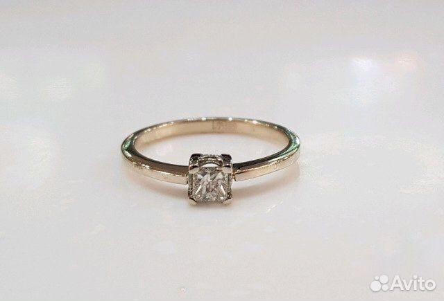 Золотое кольцо с бриллиантом 0,3 карат купить в Москве на Avito ... eb3d27e0657