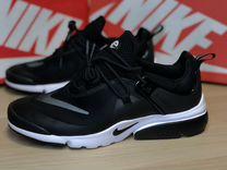 Nike черного цвета