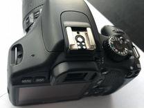 Зеркальный фотоаппарат Canon EOS 550D