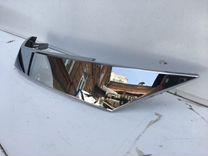 Хром решетки радиатора правый Toyota Fortuner